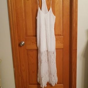 Dresses & Skirts - NWOT. Small lacy white summer maxi dress!
